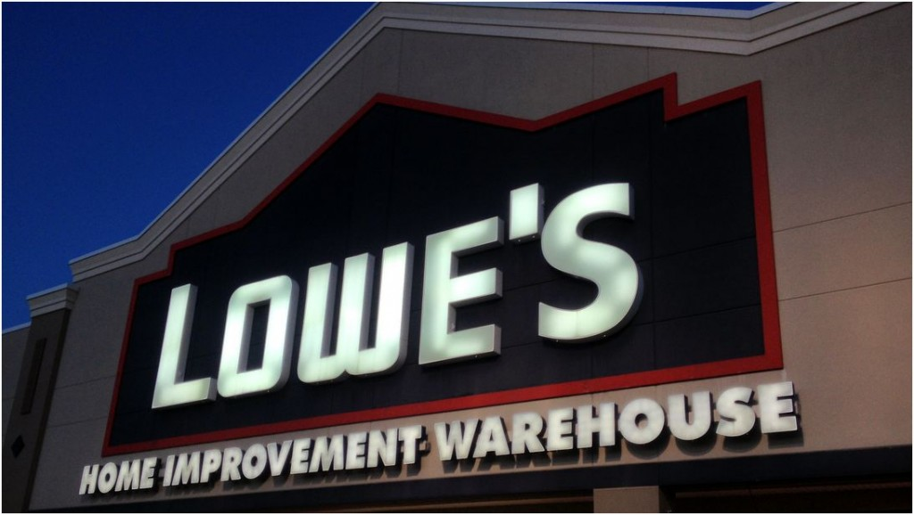 Picture - Lowes Ramping Up with New Branding - Exterior